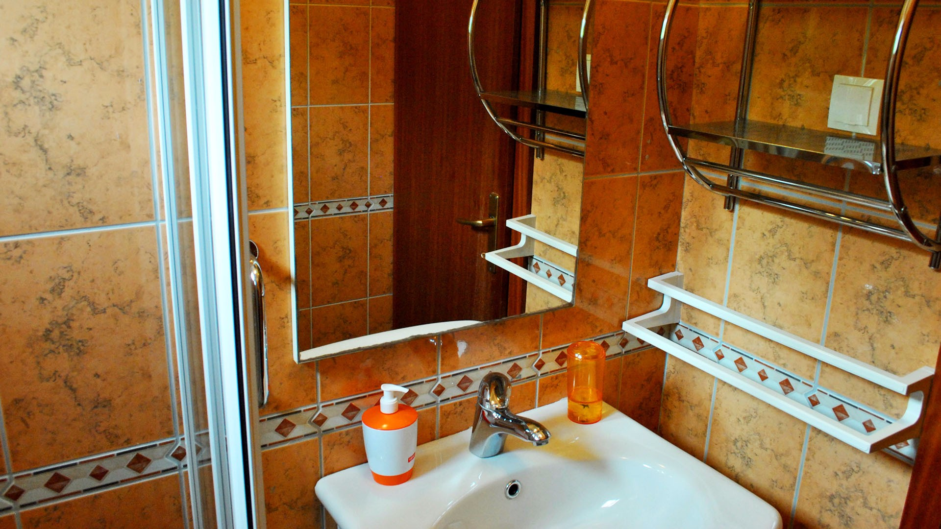 ApartmentA6 bathroom