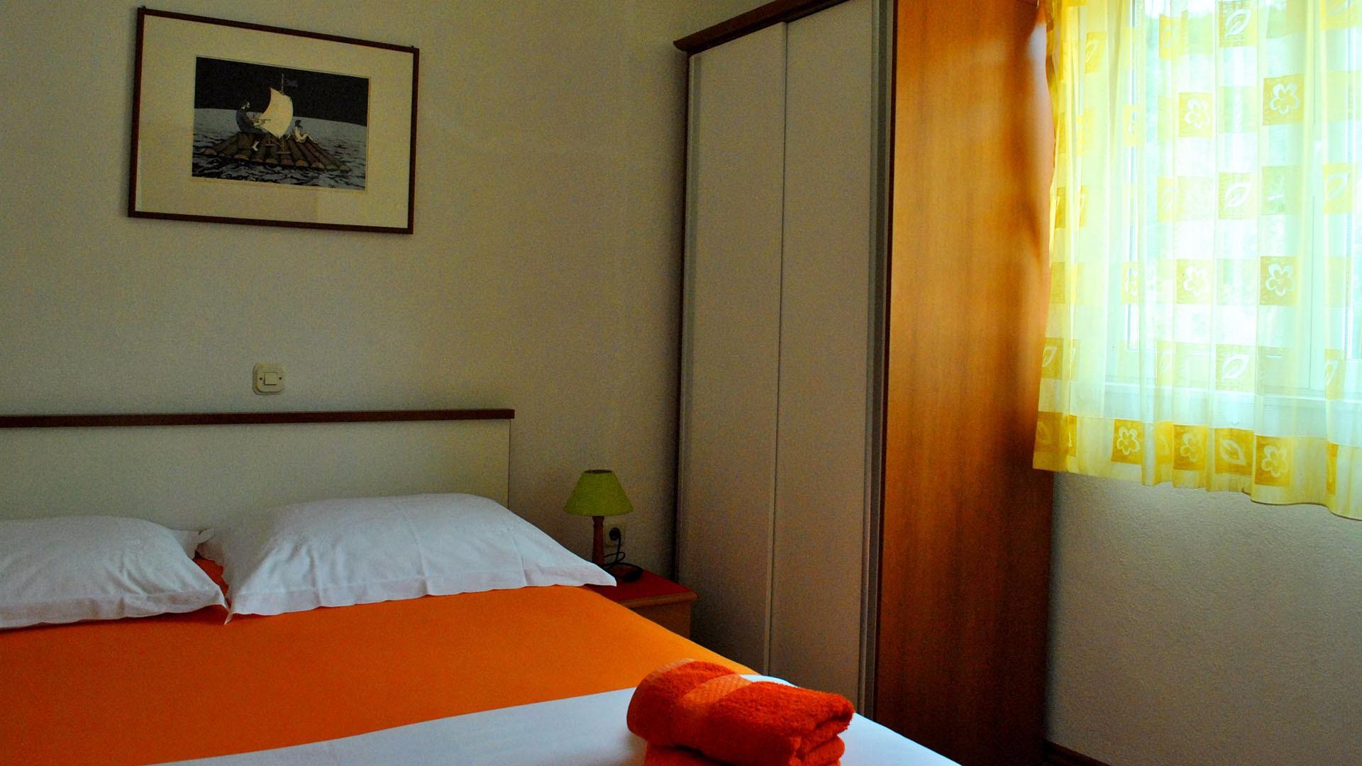 ApartmentA6 bedroom2