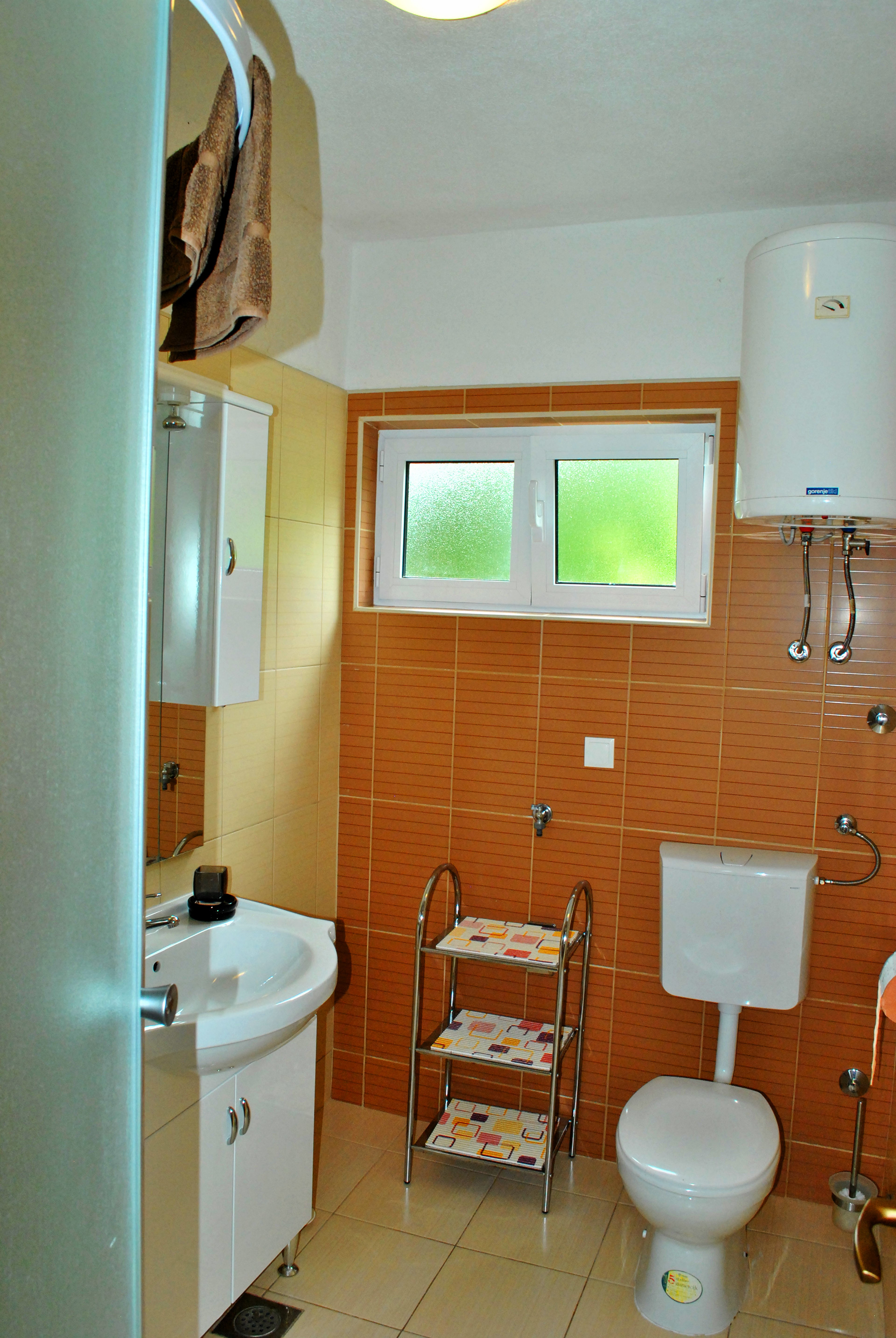 apartmenta2-bathroom