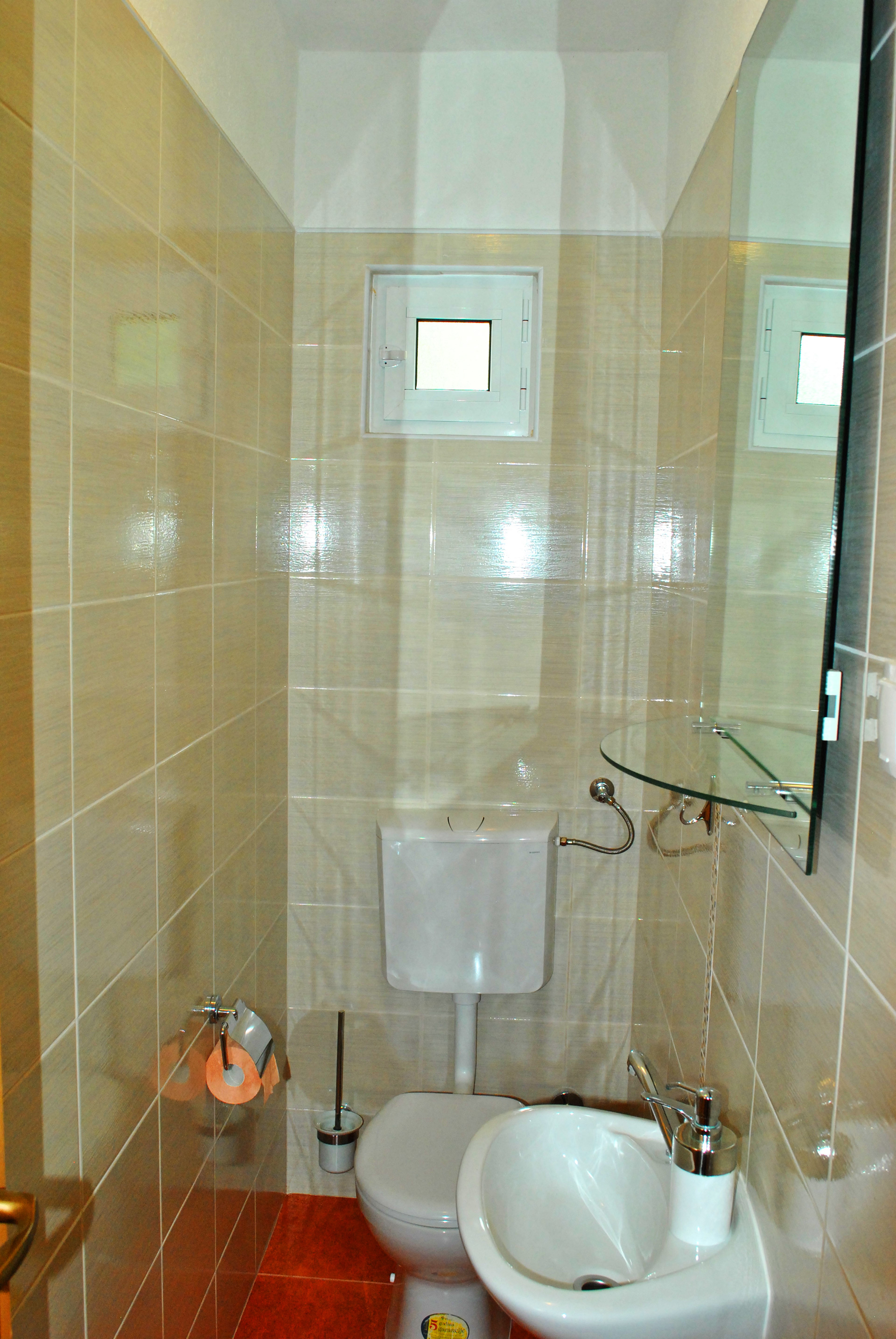 apartmenta2-bathroom2