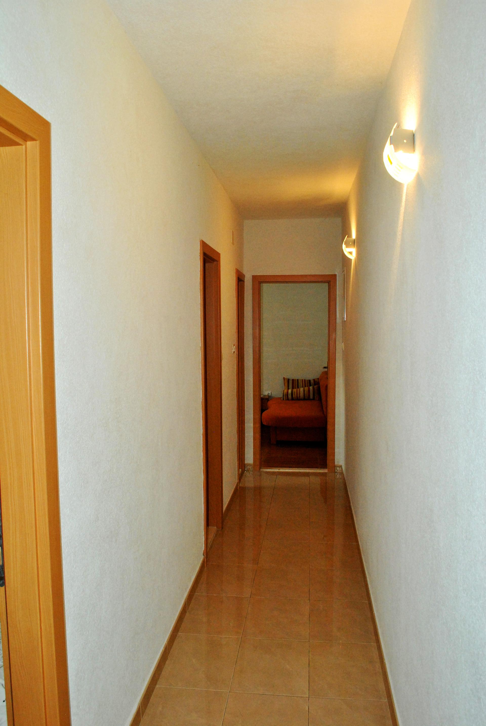 apartmenta2-corridor