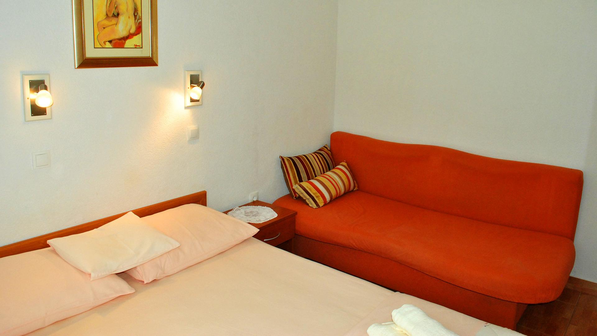 apartmenta2-sofa