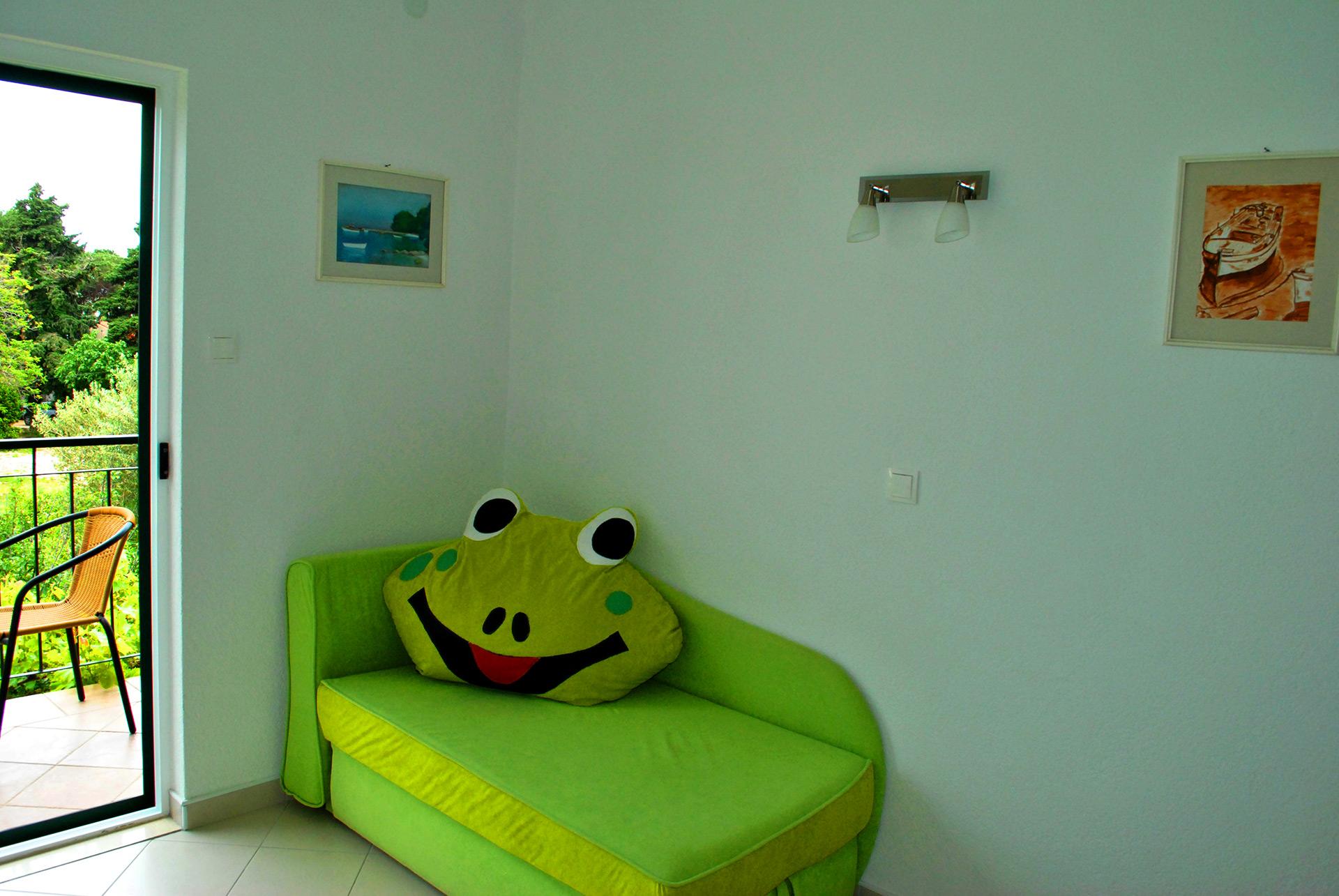 apartmenta5-sofa