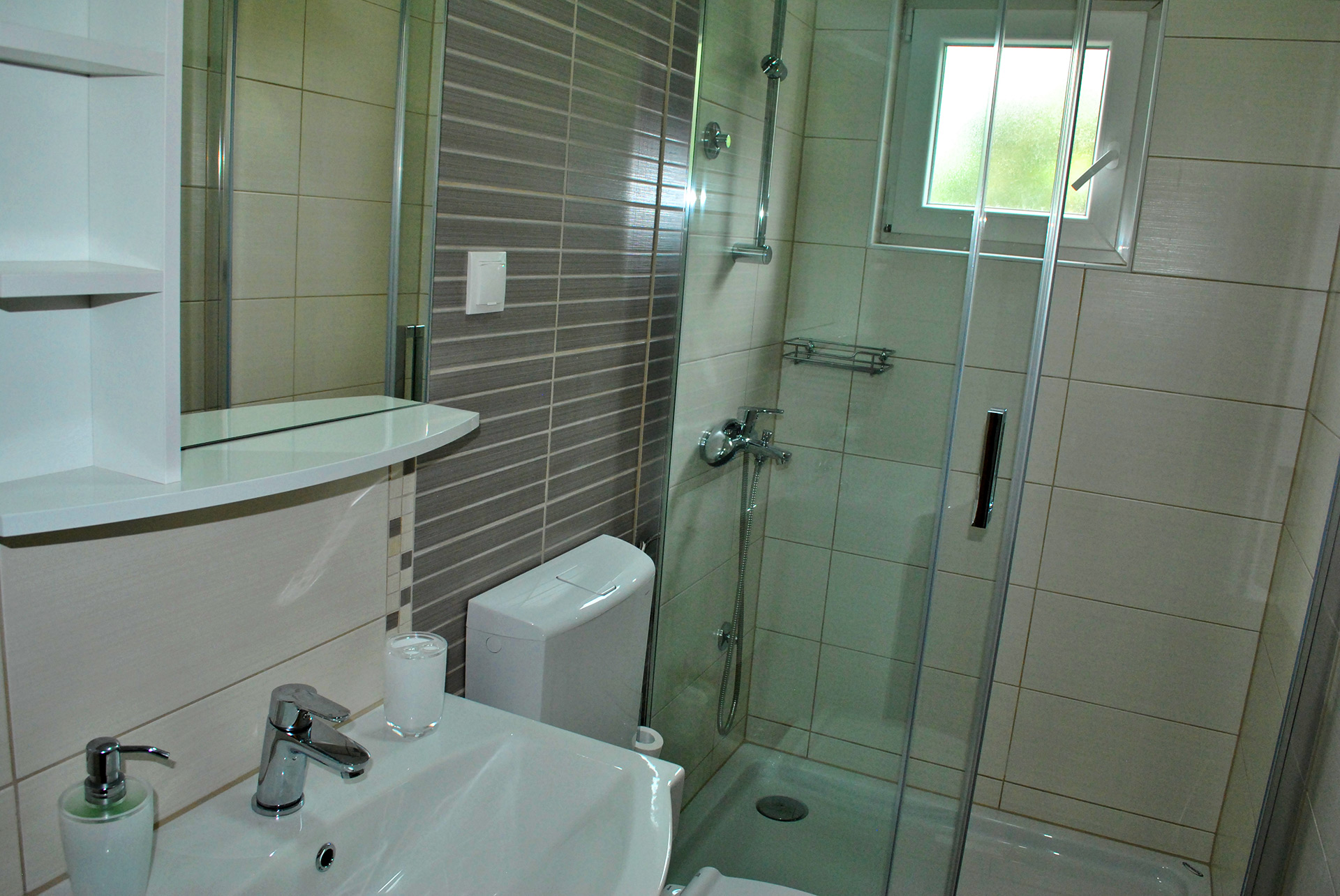 apartmenta7-bathroom2